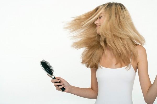Bí quyết chăm sóc mái tóc tóc khô sơ